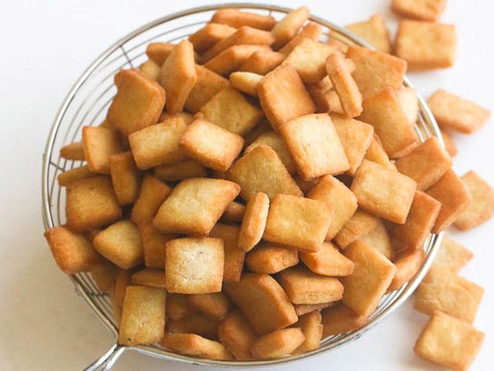 delicious Nigerian chin chin snacks