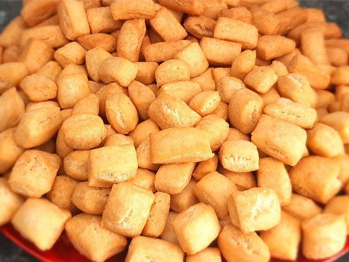 fried chin chin snacks
