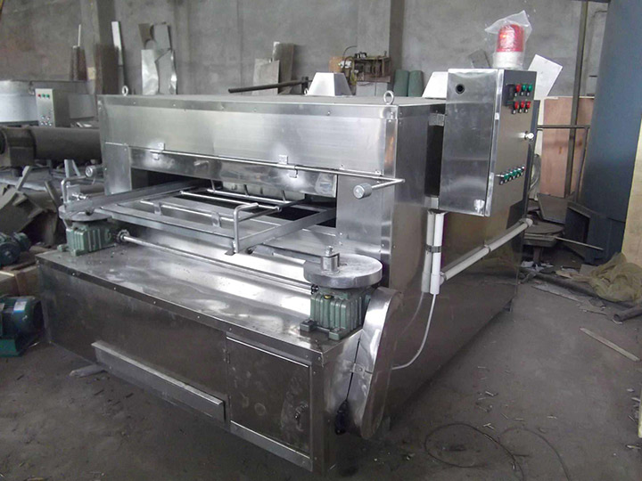 swing roasting machine for coated peanuts